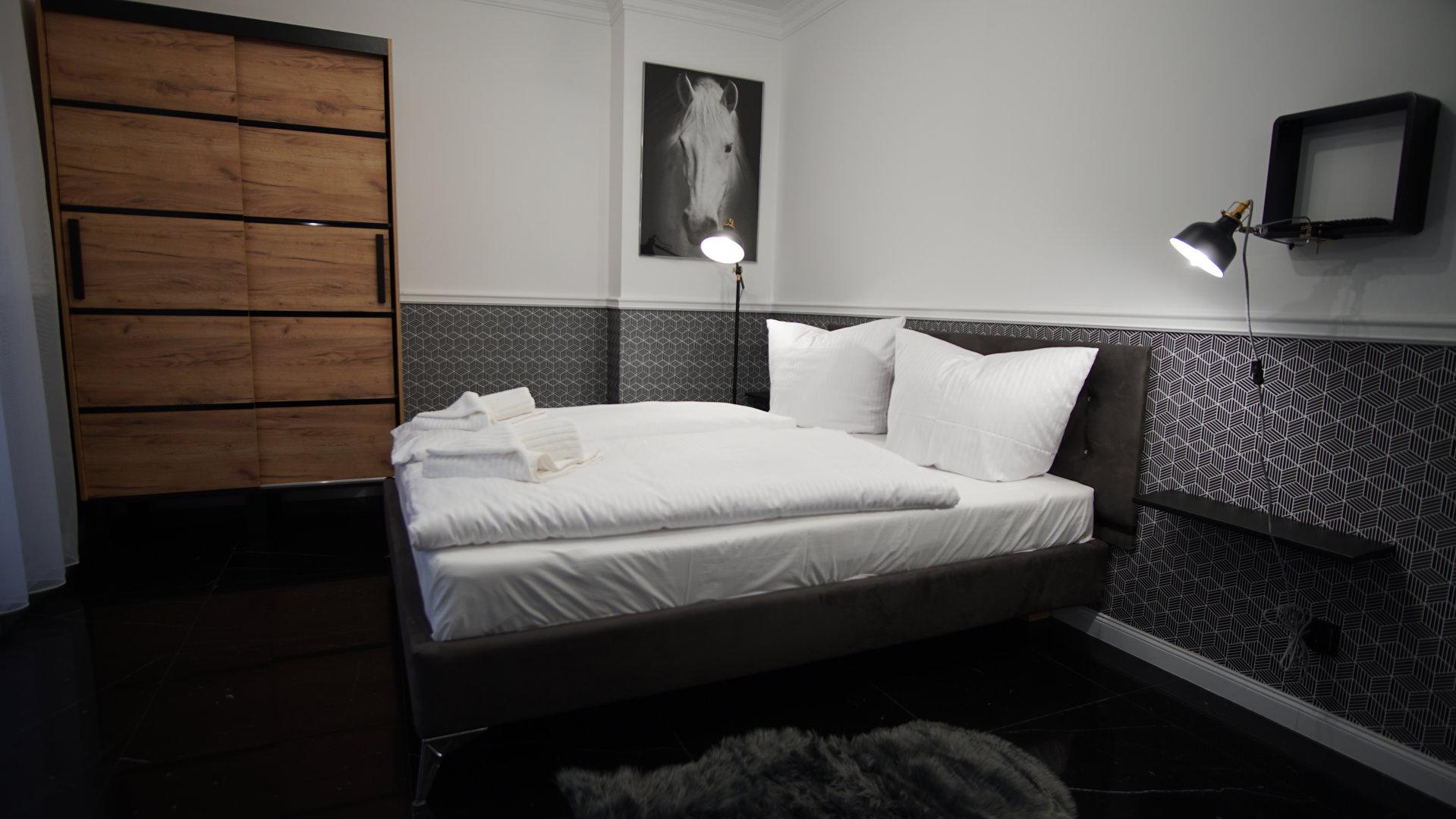 Korda Apartments
